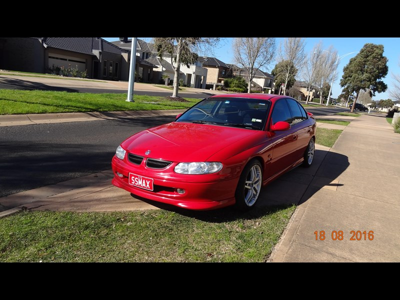 holden commodore ss 469204 003