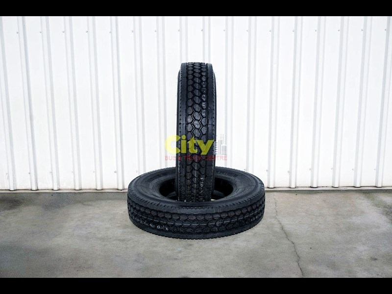 o'green 11r 22.5 closed shoulder 21mm deep tread drive tyre 499323 001
