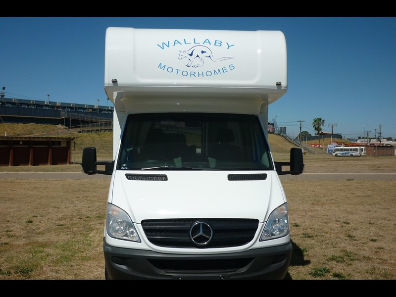 mercedes-benz sprinter- beach 417990 011