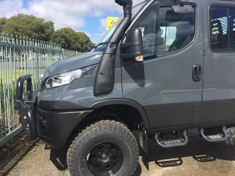 iveco daily 55s17dw 338255 007