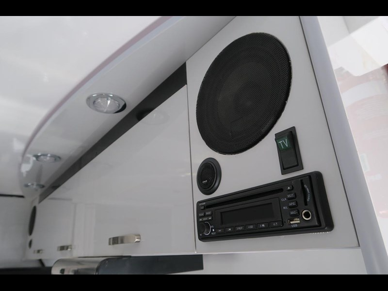 goldstar rv liberty tourer 489936 009