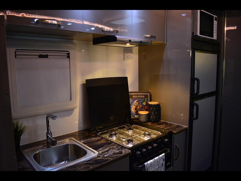 goldstar rv liberty tourer 517644 009