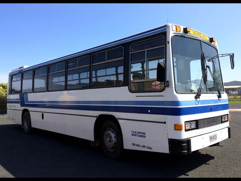 isuzu lt111p custom coaches 49 seater school bus 540613 005