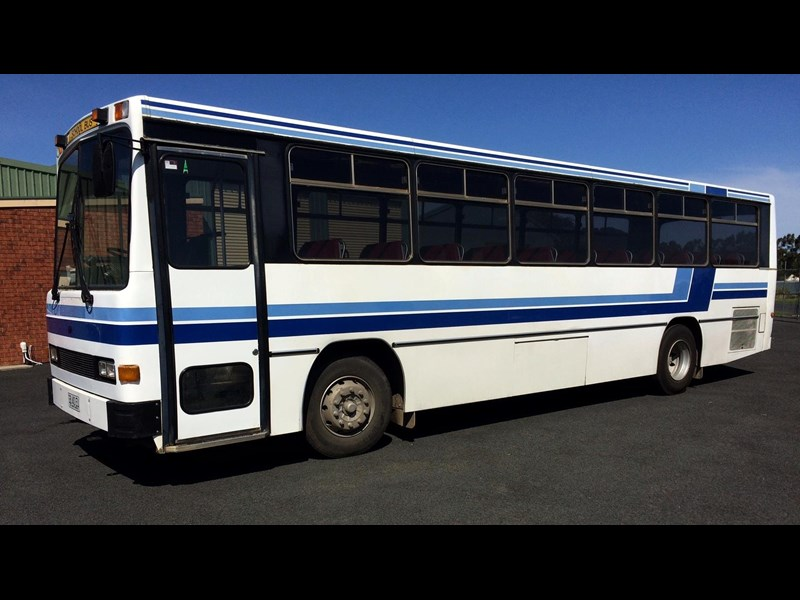 isuzu lt111p custom coaches 49 seater school bus 540613 001