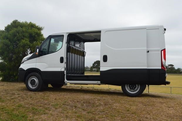 iveco daily 35s17 542620 005