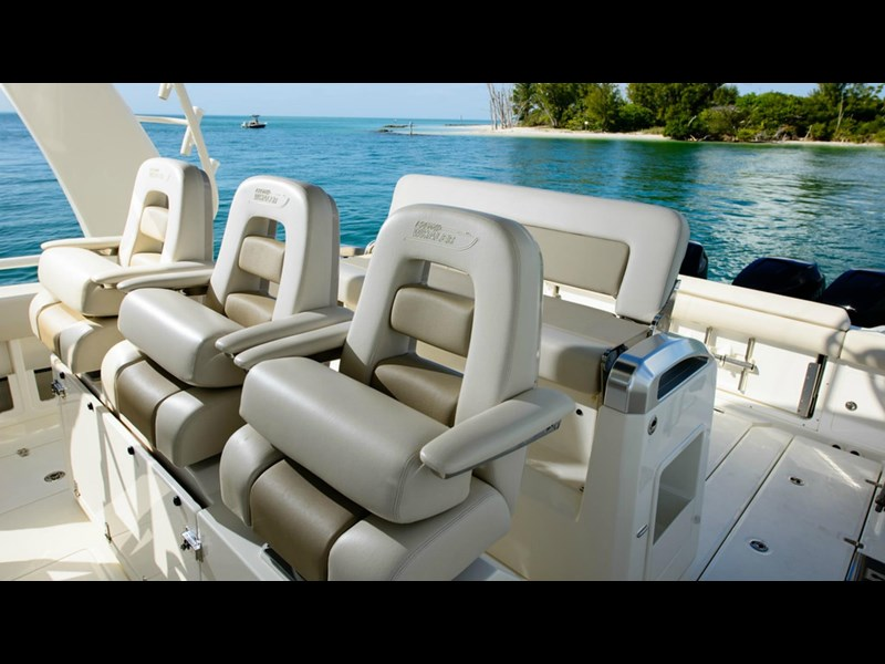 boston whaler 420 outrage 294251 029