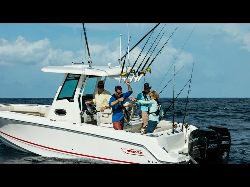 boston whaler 250 outrage 294253 019