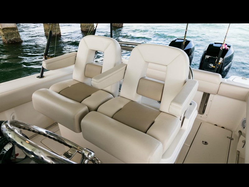 boston whaler 250 outrage 294253 031