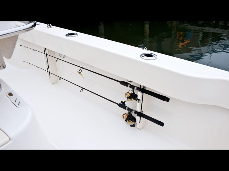 boston whaler 190 outrage 294225 061