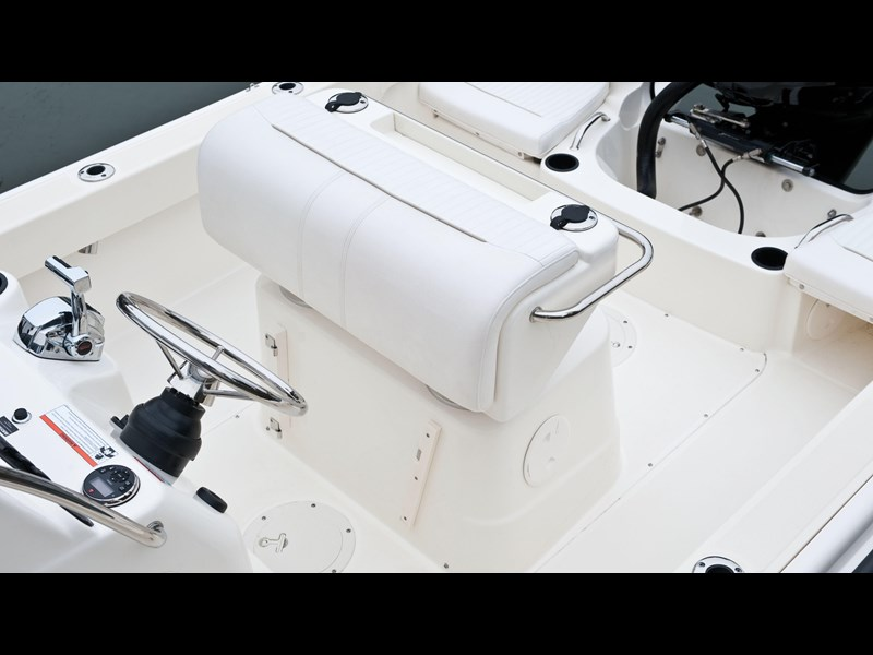 boston whaler 190 outrage 294225 023