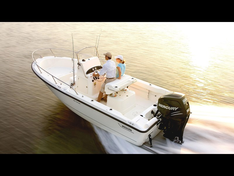 boston whaler 190 outrage 294225 003