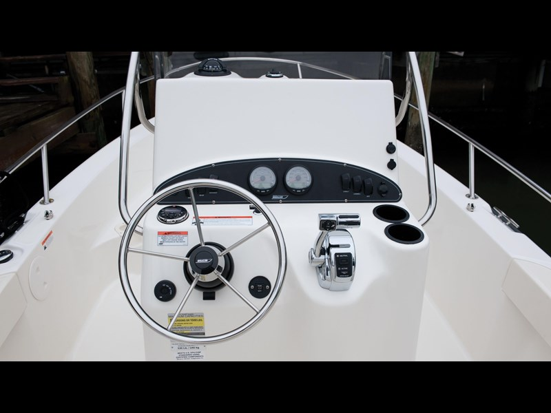 boston whaler 190 outrage 294225 033