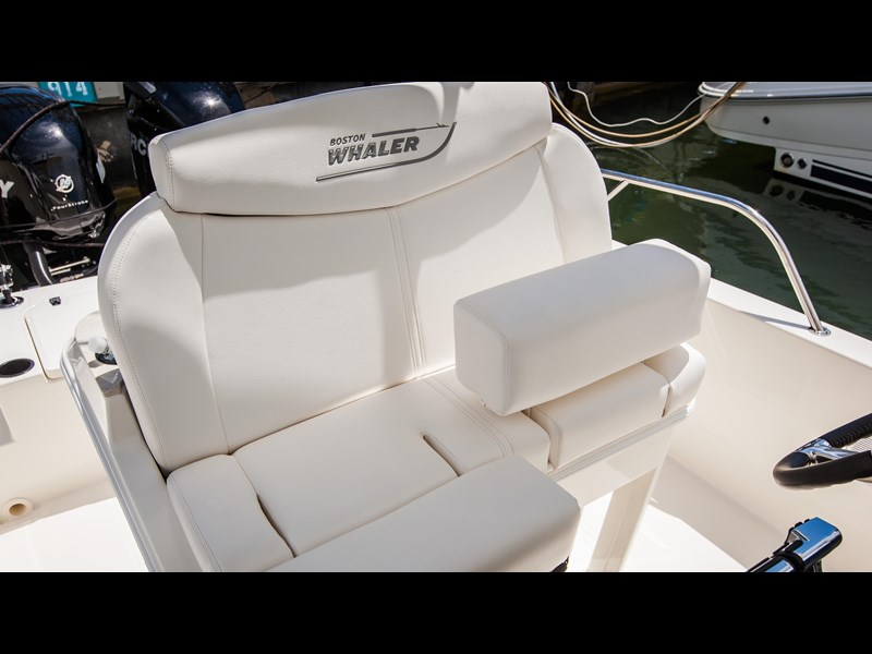 boston whaler 270 dauntless 294226 025