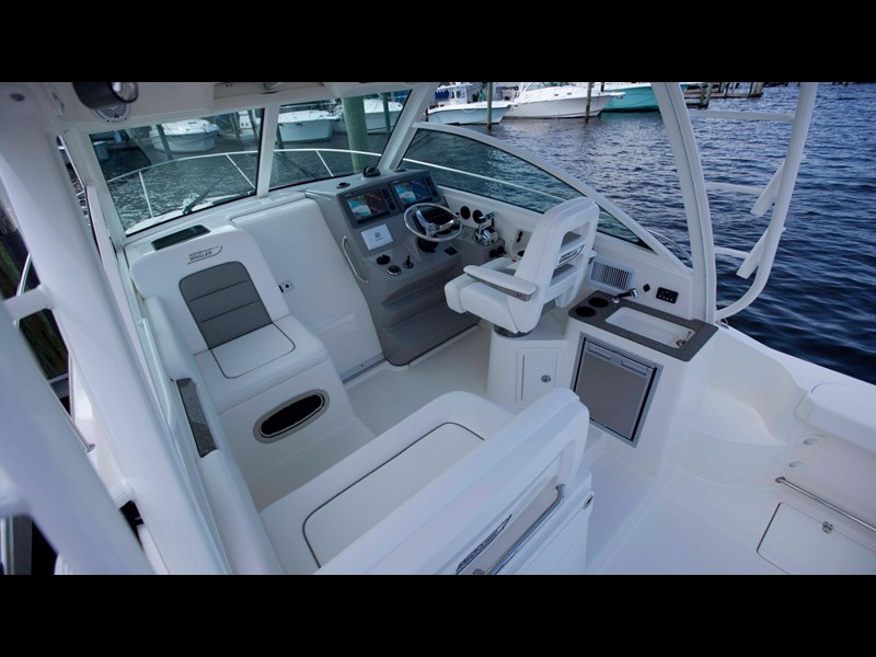 boston whaler 315 conquest 245300 027