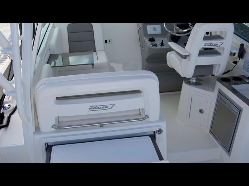 boston whaler 315 conquest 245300 031