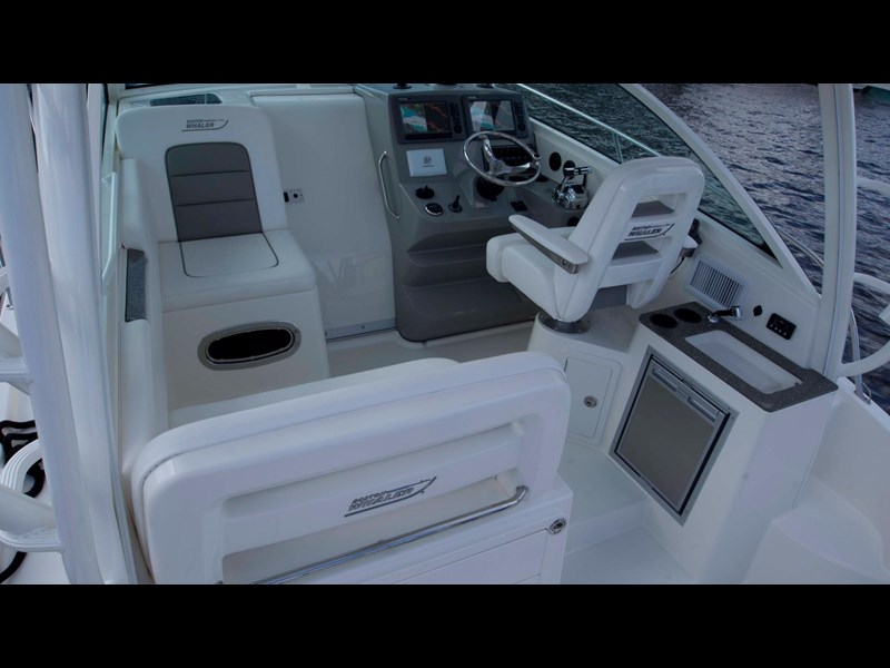 boston whaler 315 conquest 245300 023