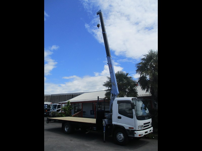 isuzu forward 549758 009