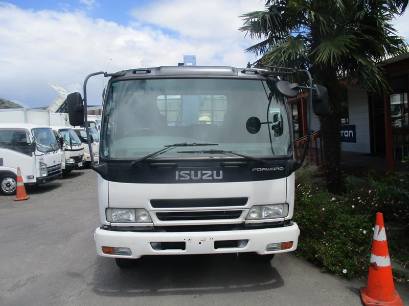 isuzu forward 549758 025