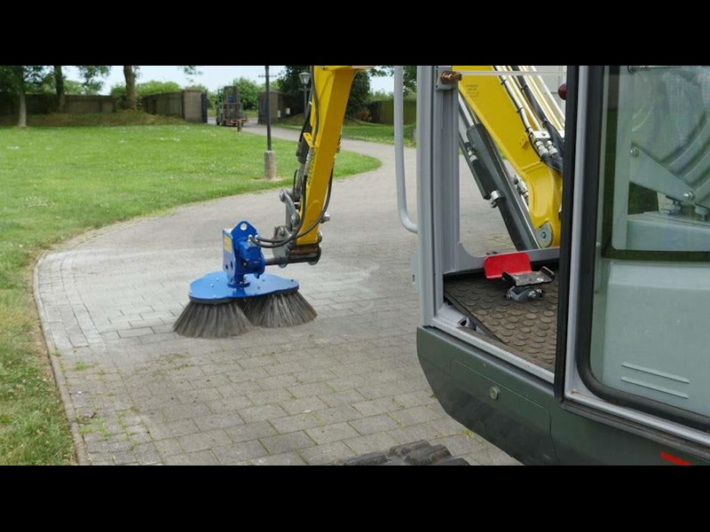 slanetrac rb80 sweeper with hitch 550890 003