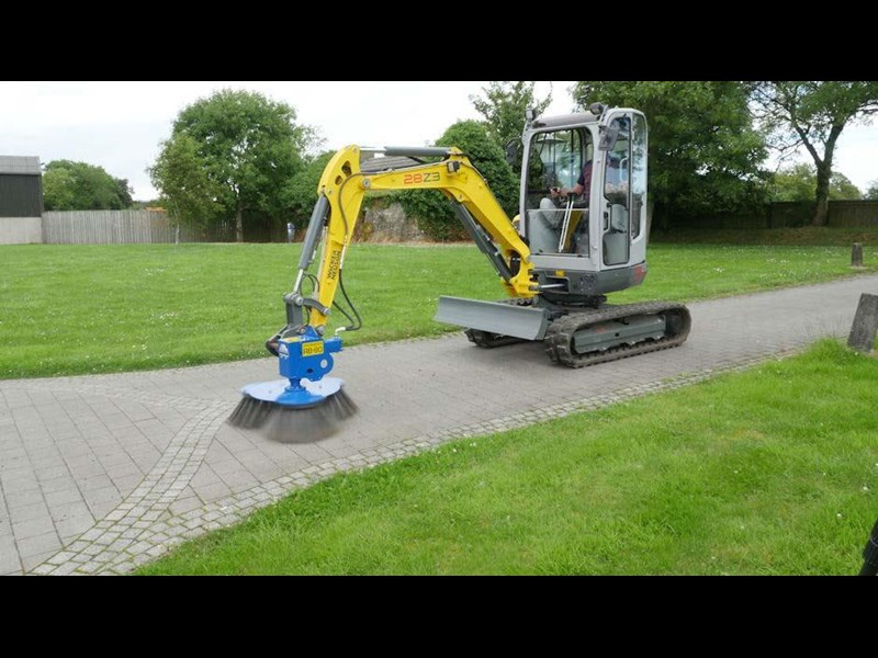 slanetrac rb80 sweeper with hitch 550890 011
