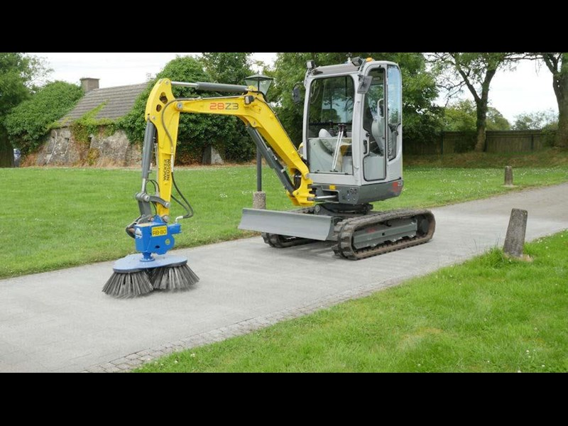 slanetrac rb80 sweeper with hitch 550890 015