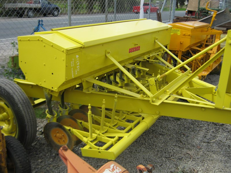 connor shea 14 row disc super seeder trailing 513327 033