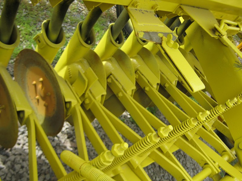 connor shea 14 row disc super seeder trailing 513327 041