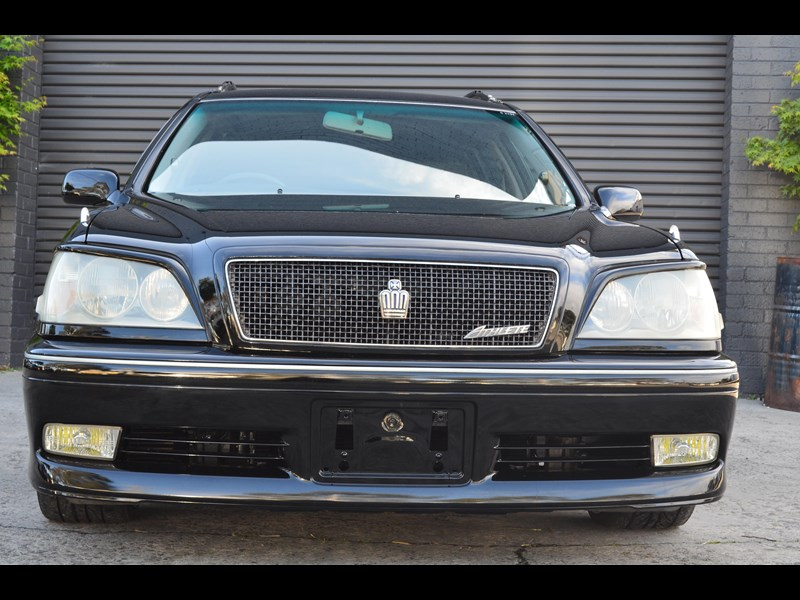 toyota crown 518294 009