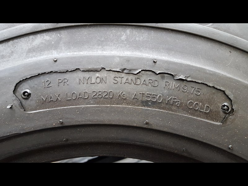 bobcat tyres 10- 16.5 12 ply 334132 003