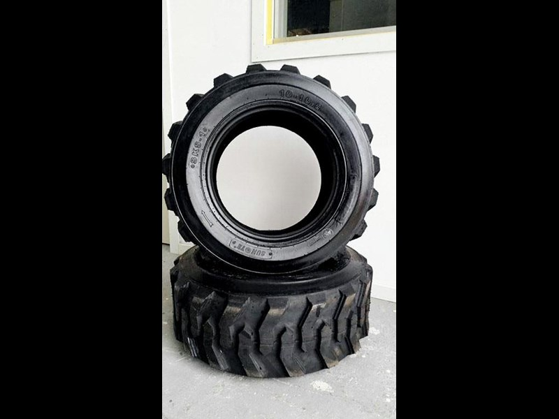 bobcat tyres 10- 16.5 12 ply 334132 007