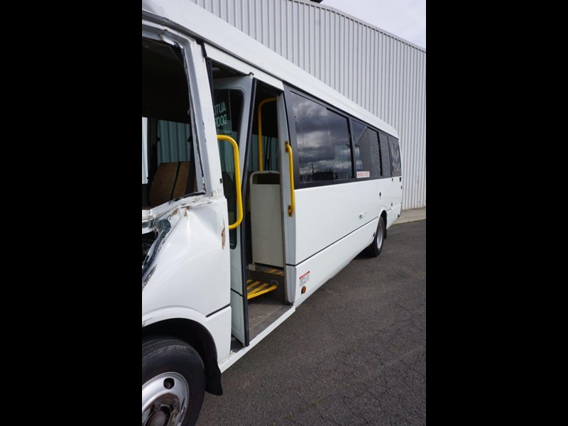 mitsubishi rosa 25 seat with wheelchair lift 555028 017