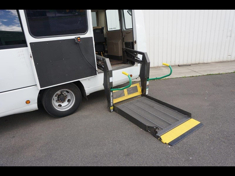 mitsubishi rosa 25 seat with wheelchair lift 555028 053