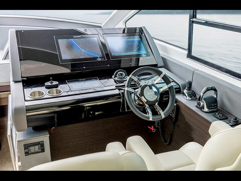 cruiser yachts 60 cantius sports yacht 560080 007