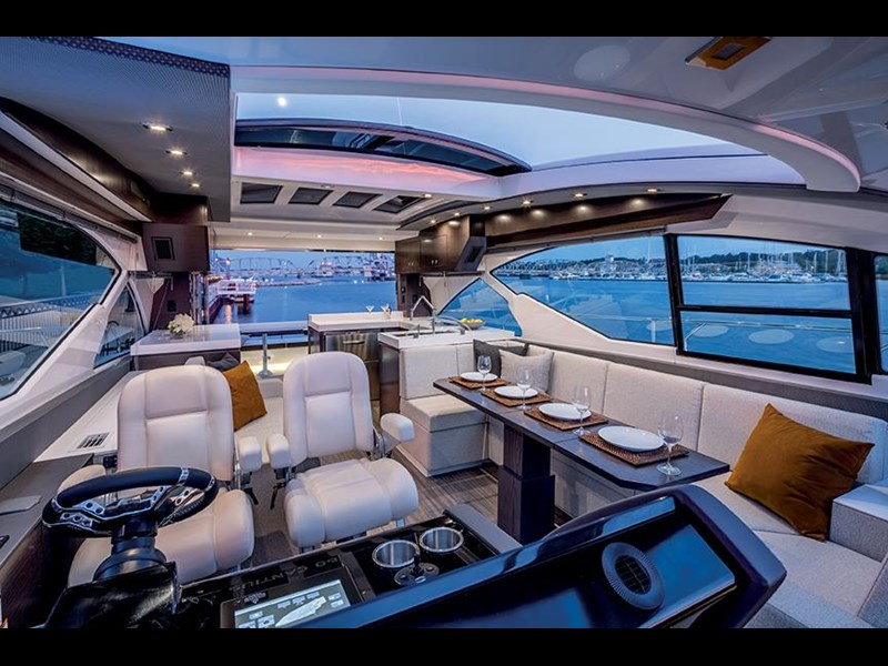 cruiser yachts 60 cantius sports yacht 560080 011