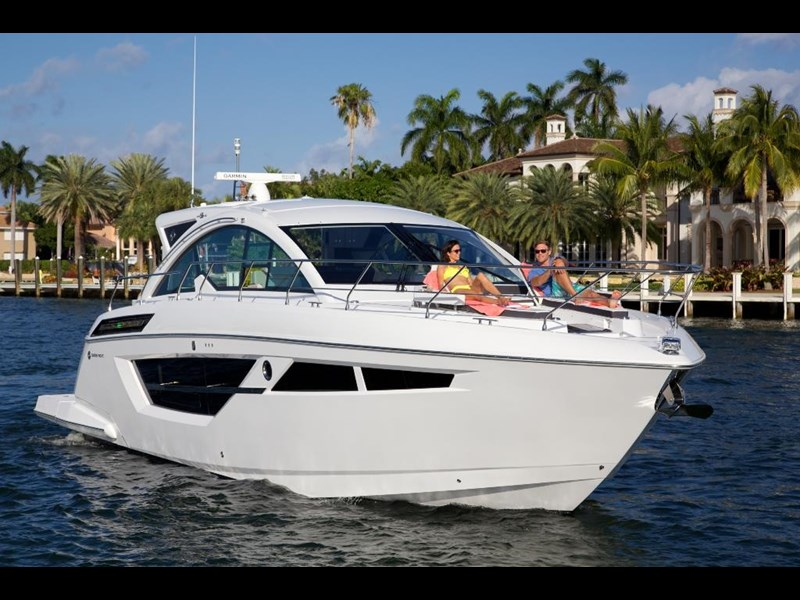 cruisers 50 cantius cabriolet sports yacht 560086 029