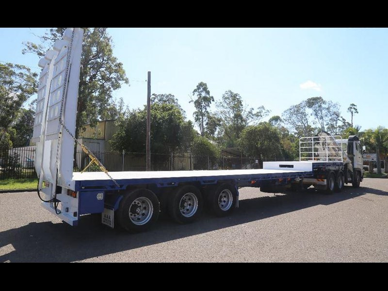 aaa aaa 45' extendable drop deck with bi-fold ramps 568108 005