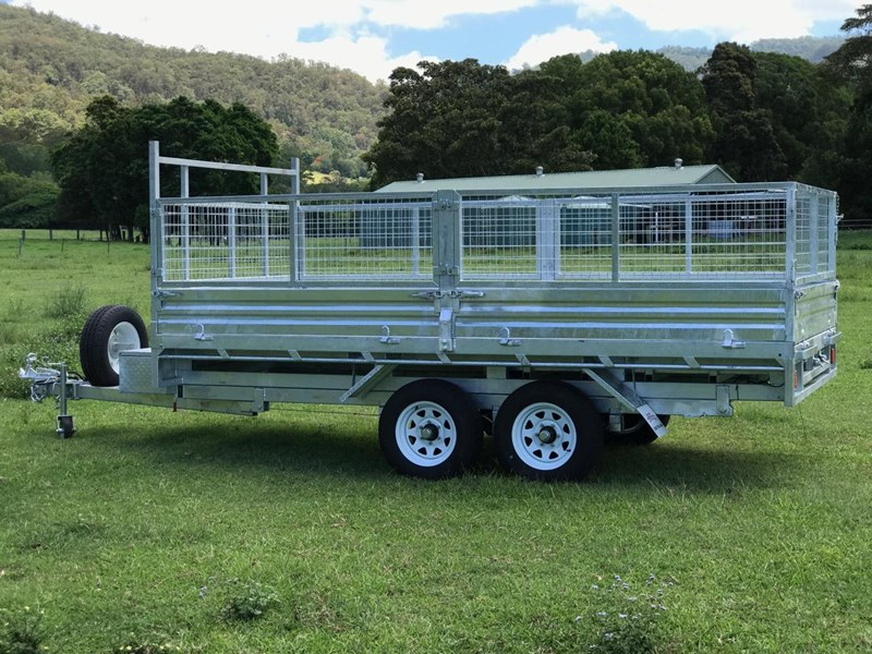 ozzi trailers 14x7 flat top hydraulic tipper trailer with ramps cage galavanised 571238 011