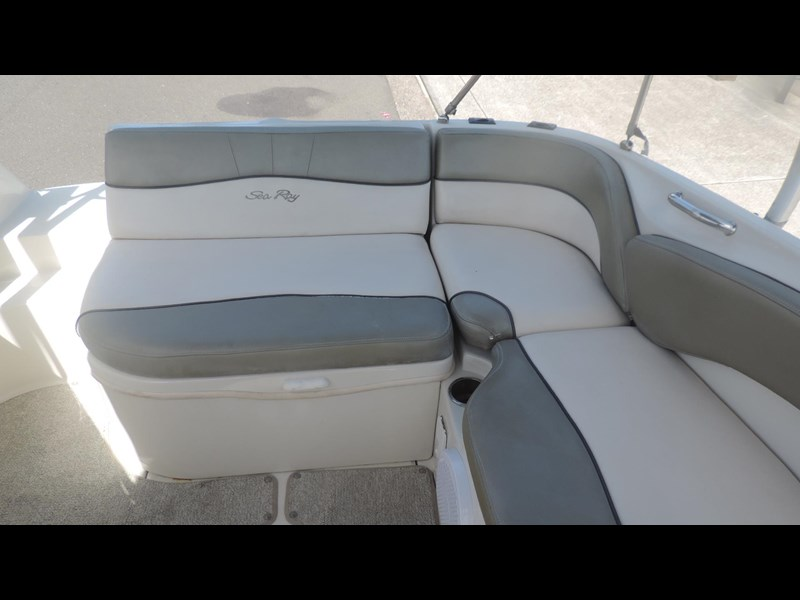 sea ray 240 sundeck 571443 023