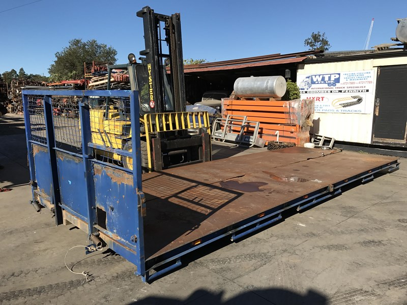 truck trays various sizes 18383 007