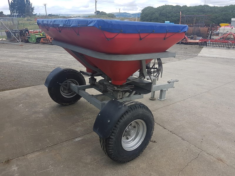 walco t1300 twin spinner fertiliser spreader 575494 007