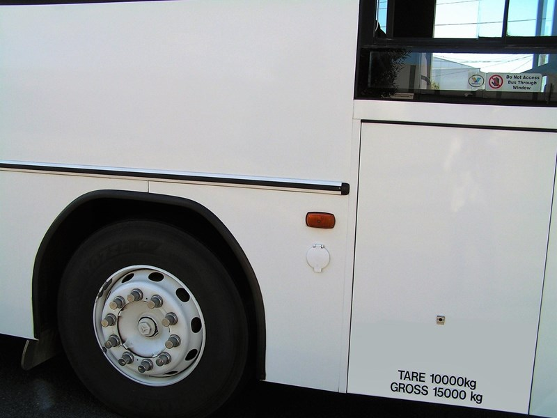 mercedes-benz 1421 custom coach 577717 021