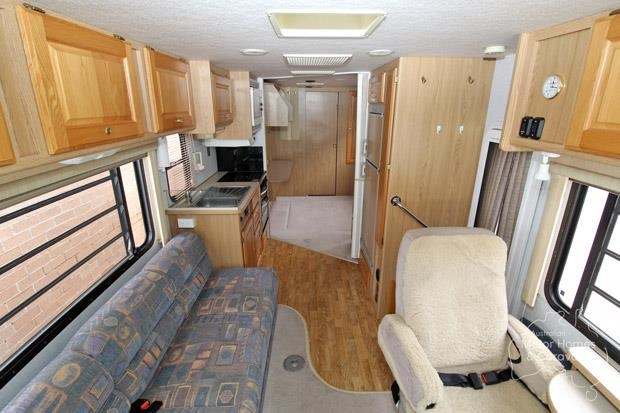 winnebago (avida) explorer 578013 003