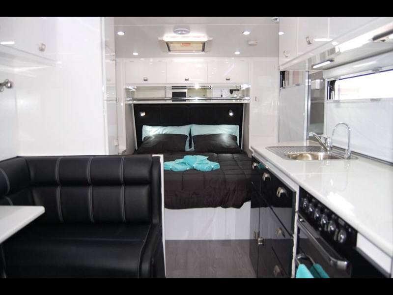design rv forerunner 21' 6.1 495519 013