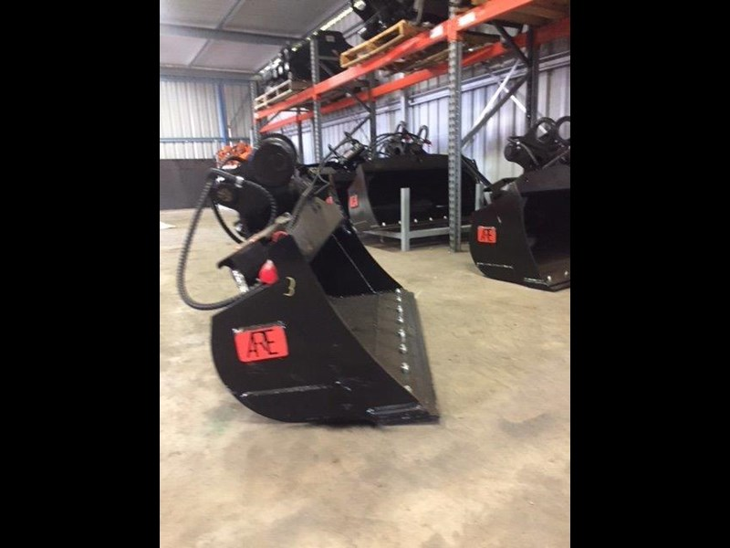 ar equipment ar equipment 1-2 ton tilt bucket 579010 015
