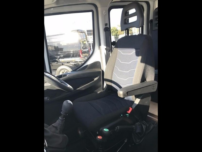iveco daily 55 s17 580233 023