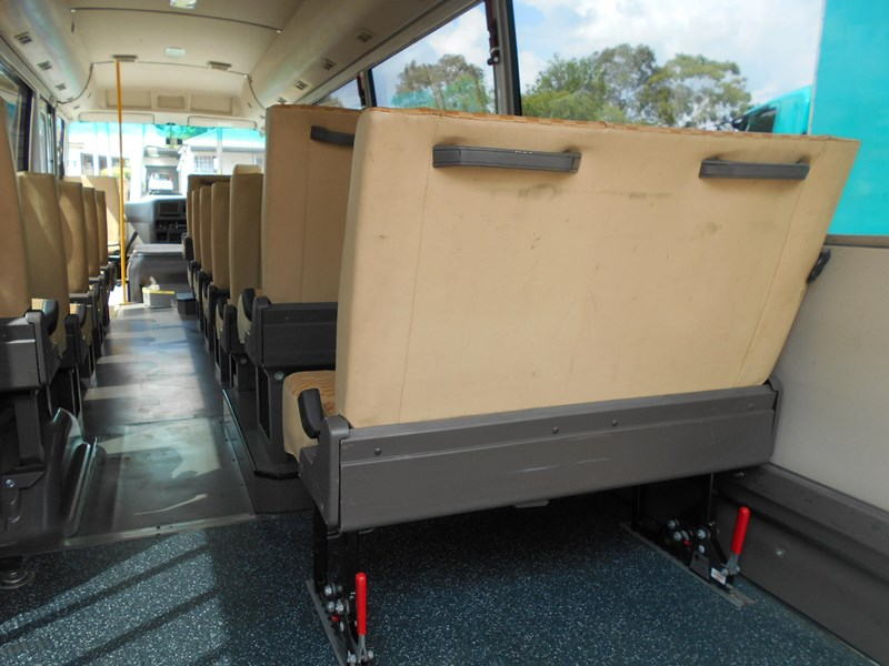 mitsubishi fuso rosa bus auto/ 21 seat rosa bus with wheelchair 579661 017