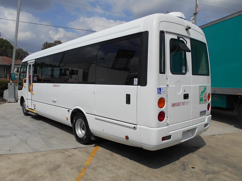 mitsubishi fuso rosa bus auto/ 21 seat rosa bus with wheelchair 579661 021