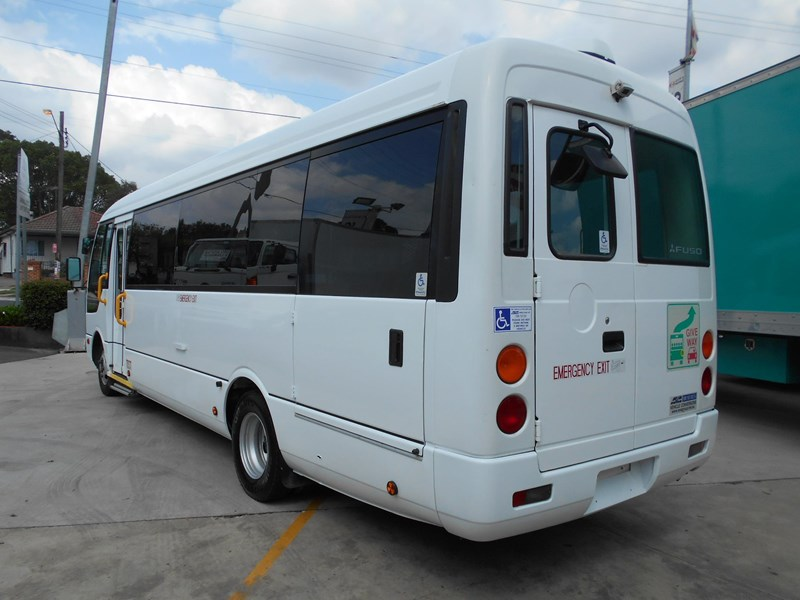 mitsubishi fuso rosa bus auto/ 21 seat rosa bus with wheelchair 579661 025