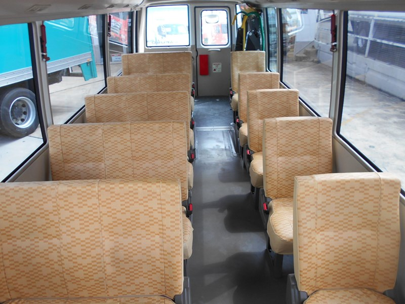 mitsubishi fuso rosa bus auto/ 21 seat rosa bus with wheelchair 579661 031