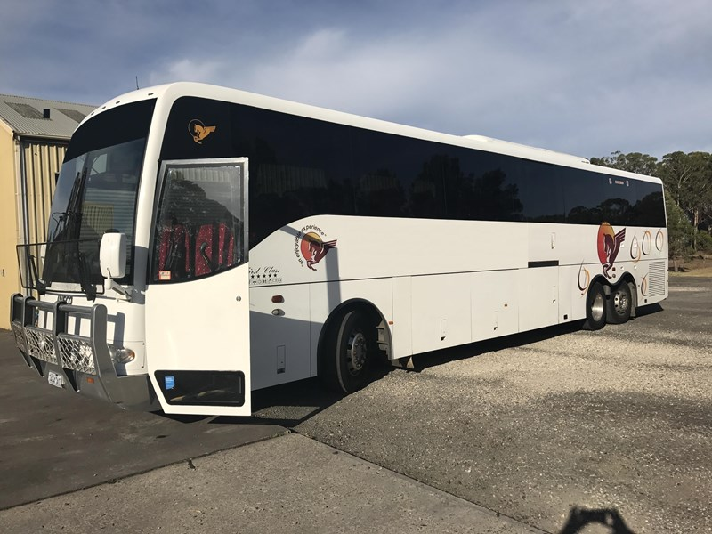 iveco eurorider 6 x 2 14.5 metre tag axle coach, 2009 model 573742 001